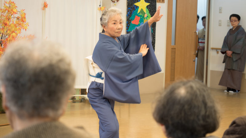 伊鈴会様がボランティアでデイサービスセンター豊和を慰問