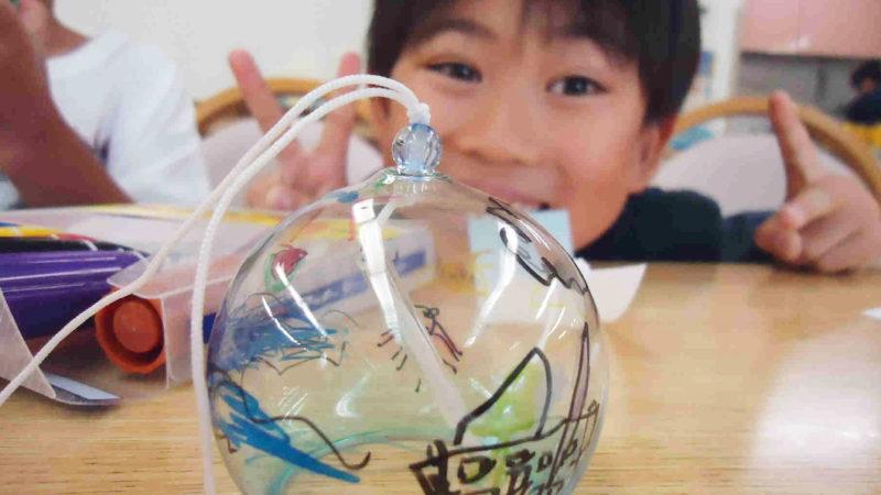 第6回認知症カフェ「たまカフェ」は風鈴作りに挑戦!
