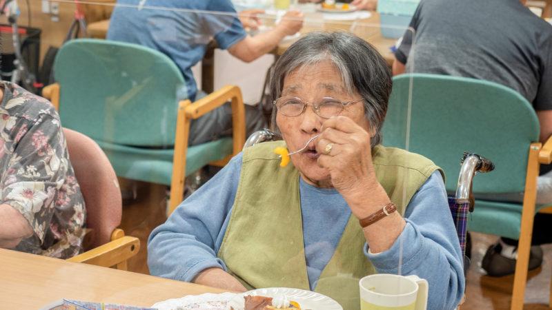彩りも味もバツグン!志摩豊和苑で、手作りおやつの盛り合わせを振る舞いました!